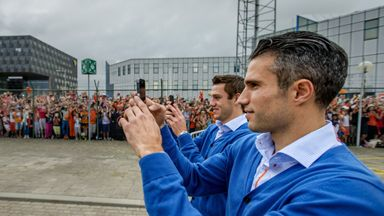 Robin van Persie (r): At Holland