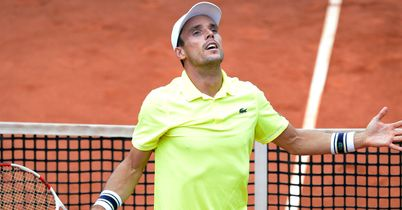 Agut seals Stuttgart crown