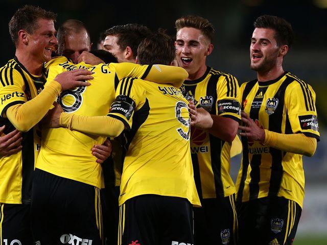Wellington Phoenix celebrate a goal