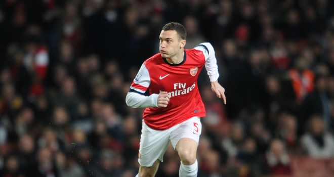 Thomas Vermaelen: Arsenal defender will not join Manchester United