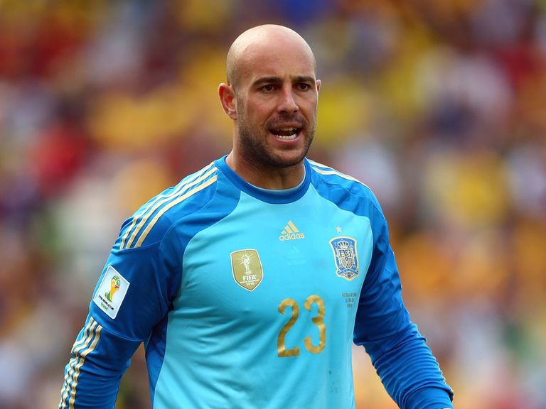 Pepe Reina: Lost Liverpool place to Simon Mignolet