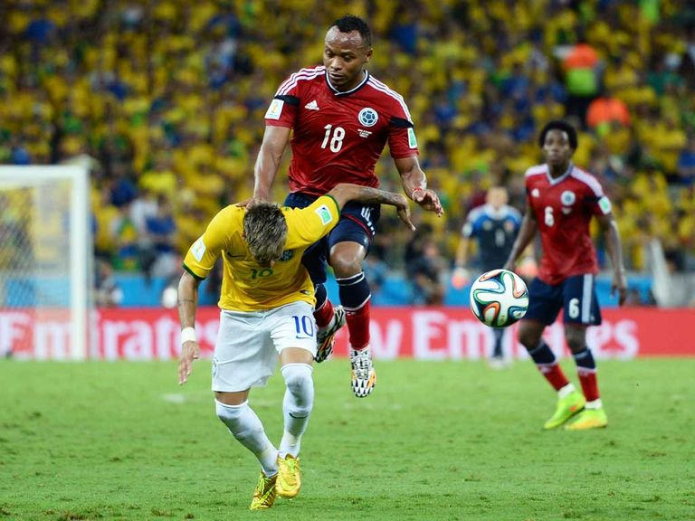 This challenge by Zuinga ended Neymar's World Cup