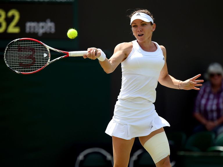 Simona Halep in action against Zarina Diyas