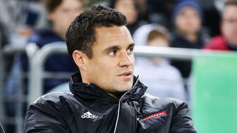 Dan Carter: Injury blow for All Blacks fly-half