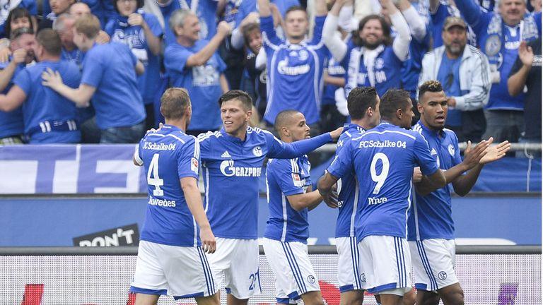 Schalke celebrate Klaas-Jan Huntelaar's opener