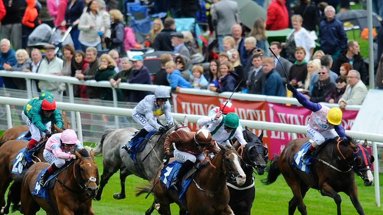 Short Squeeze (pink) wins The Clipper Logistics Stakes at York