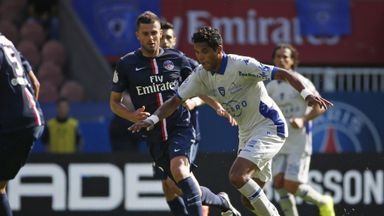 Brandao (r) vies with PSG's Thiago Motta (l) during a game