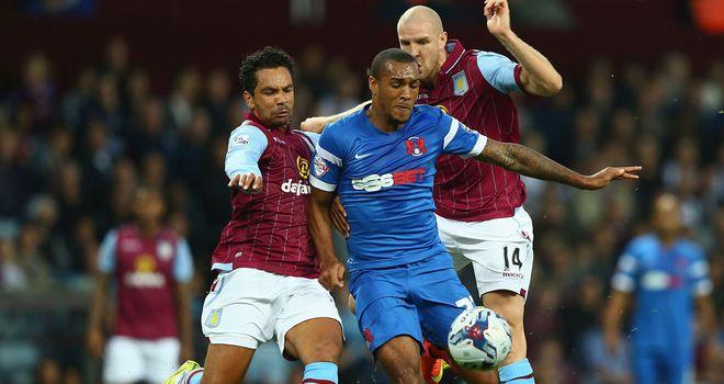 Kieran Richardson: Challenges Orient's Jay Simpson;