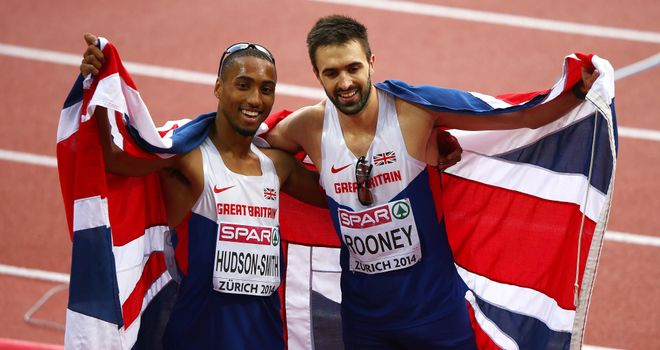 Martyn Rooney (R) and Matthew Hudson-Smith at the European Championships