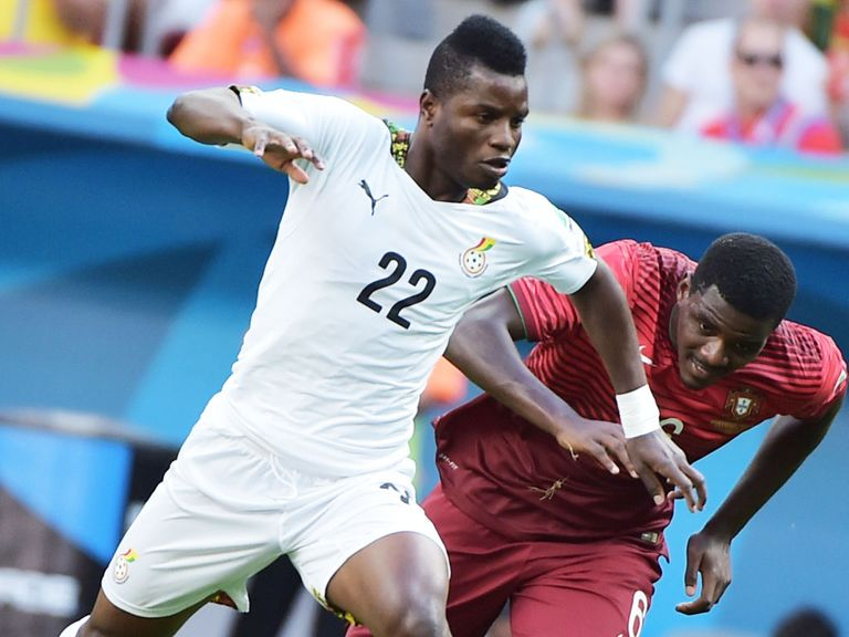 Mubarak Wakaso: Loan move to Celtic
