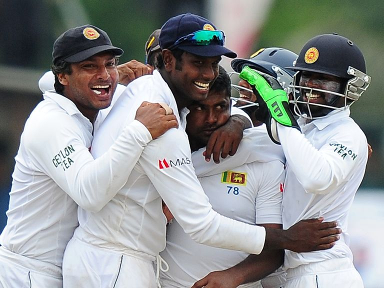 Rangana Herath celebrates for Sri Lanka