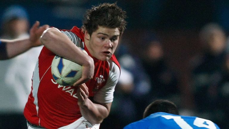 Scarlets prodigy Harry Robinson in action for Wales U20
