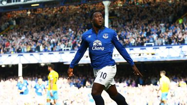 Romelu Lukaku: Must play on, says Roberto Martinez