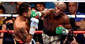 Mayweather extends unbeaten record