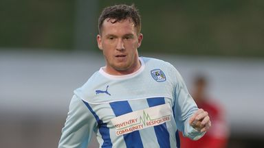 Danny Swanson: Sweats on knee injury