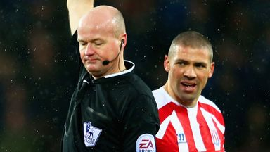 Jonathan Walters: Escaped with a booking during first half at Goodison Park