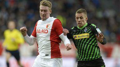 Jan-Ingwer Callsen-Bracker  battles with Thorgan Hazard