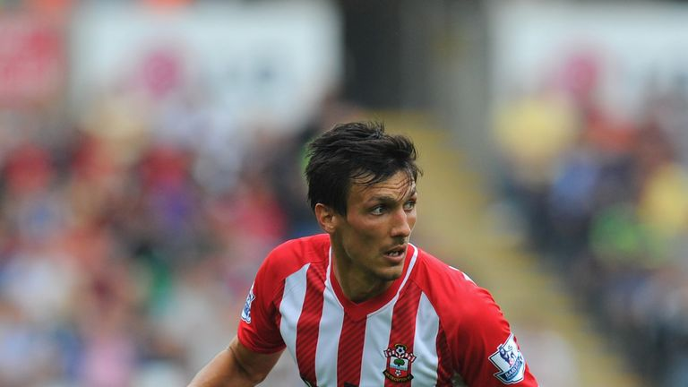 Jack Cork: Burnley in talks to sign Swansea City midfielder
