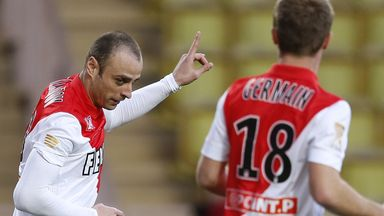 Dimitar Berbatov: Scored the only goal against Lille