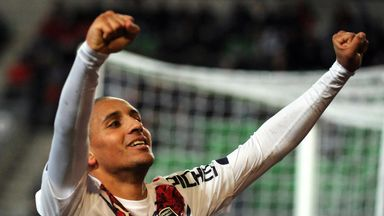 Wahbi Khazri celebrates his goal