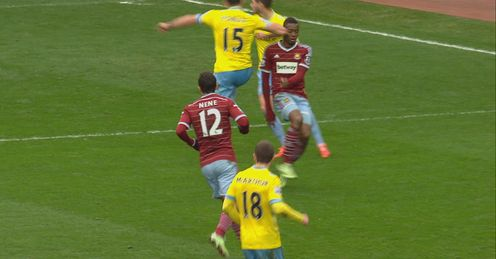 Mile Jedinak clashes with Diafra Sakho