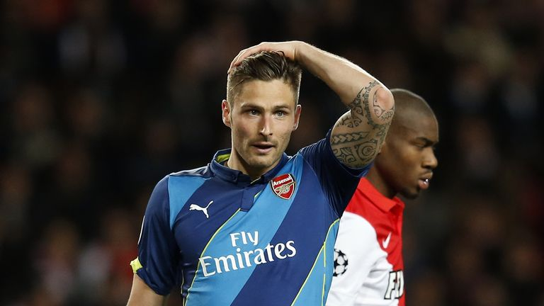 Olivier Giroud reacts to a missed chance in the first half