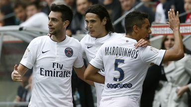 Paris Saint-Germain's Argentinian midfielder Javier Pastore (L) celebrates