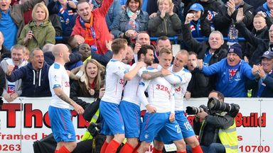Dean Shiels (second from right) celebrates after putting Rangers 2-1 up.