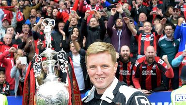 Bouremouth boss Eddie Howe with the Championship trophy