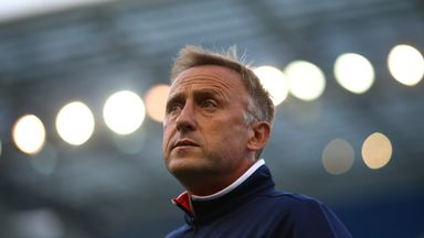 Mark Yates has signed a two-year contract with the Red Devils