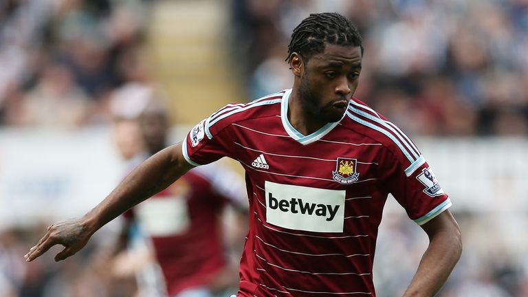 West Ham are hoping  to bring Barcelona's Alex Song back to Upton Park