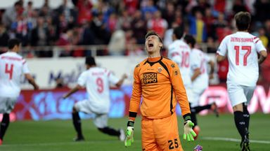 Przemyslav Tyton reacts to conceding a goal while at Elche