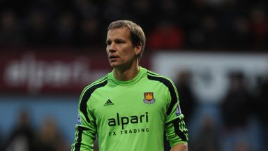 Jussi Jaaskelainen is currently training with Bradford City
