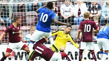 Romelu Lukaku score his second goal as Everton beat Hearts