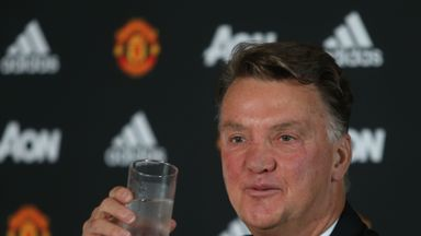 Louis van Gaal has been labelled a 'scoundrel' by Hugo Sanchez