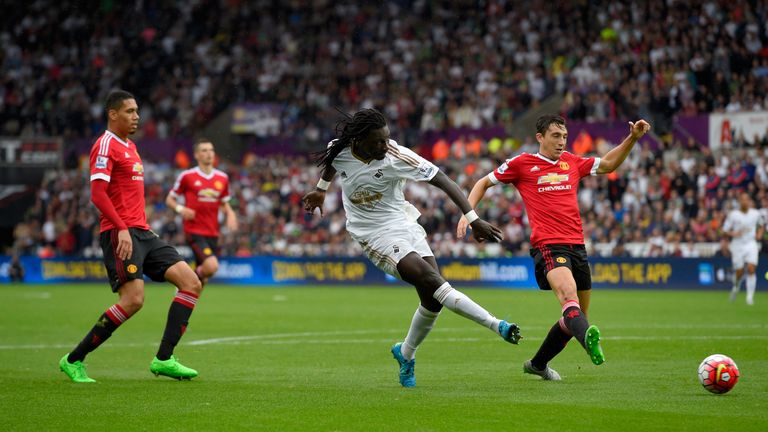 Swansea striker Bafetimbi Gomis will remain at the Liberty Stadium, according to Francesco Guidolin