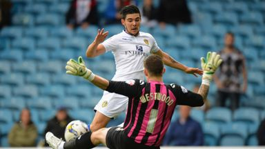 Sheffield Wednesday goalkeeper Keiren Westwood is now contracted to the club until 2018