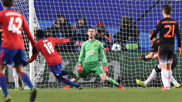 David de Gea falls to his knees as Seydou Doumbia converts the rebound from Roman Eremenko's saved penalty