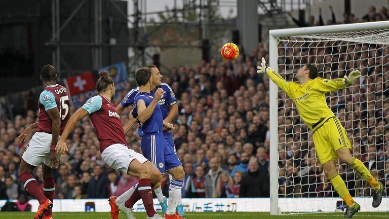 West Ham's Andy Carroll makes it 2-1 with 11 minutes remaining