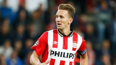 Luuk de Jong scored twice for PSV as they went top of the Eredivisie