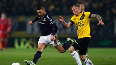 Joeri de Kamps of NAC (right) and Alex Schalk of Go Ahead Eagles battle for the ball
