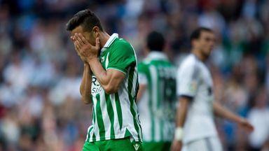 Ruben Castro involved in bizarre incident against Rayo Vallecano