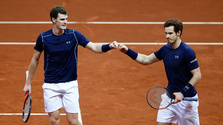 The British duo held their nerve during a break-filled third set