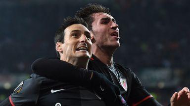 Bilbao's striker Aritz Aduriz (L) scored a hat-trick for Athletic Bilbao