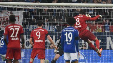 Javi Martinez scores Bayern Munich's second goal