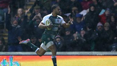 Telusa Veainu  races away to score a breakaway try for Leicester