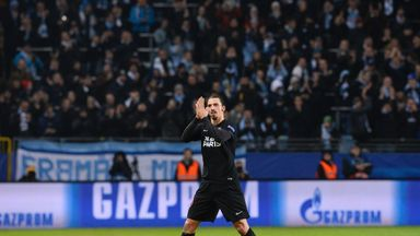 Zlatan Ibrahimovic salutes his hometown Malmo crowd after being substituted