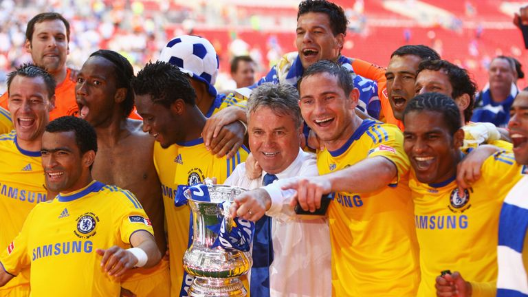 Guus Hiddink led Chelsea to victory in the 2009 FA Cup final against Everton
