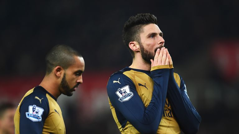 Olivier Giroud and Theo Walcott have struggled in front of goal in recent weeks
