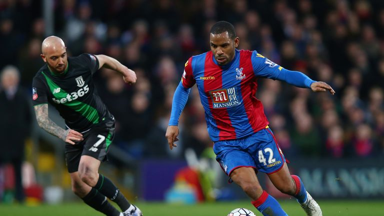 Jason Puncheon controls the ball under pressure from Stephen Ireland